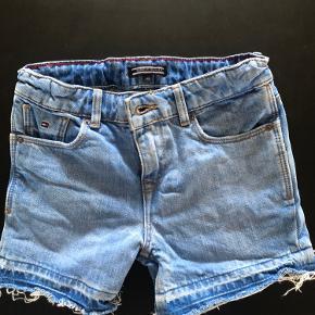 Sælger disse mega flotte shorts de næsten nye brugt meget lidt