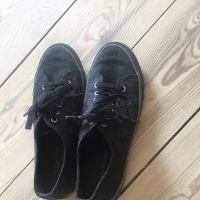 MEGA fede calvin Klein sko brugt 1 gang