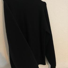 Fin strik / sweater fra Vero Moda  Sender eller kan hentes i Slagelse