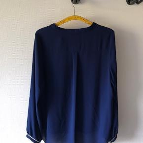 Skjorte i hvid og blå str. Xl    #30dayssellout