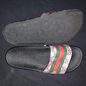 Sælger disse sandaler de fejler intet nypris 300 sælger da de for små til mig byd gerne