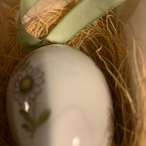 Royal Copenhagen påskeæg i original æske med rede og bånd   1 sortering - ubrugt æg kun taget ud til foto  2008 BELLIS (1249 647) Sender + Porto 40 kr hls
