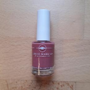 Emité Make-up Cosmetics  Neglelak  11 ml. Aldrig brugt og aldrig åbnet