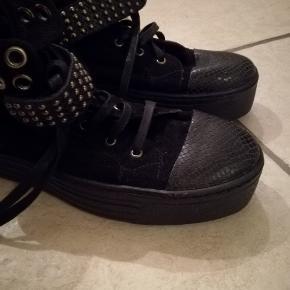 Brugt en enkelt dag. Lækker støvle fra Vagabond, normal i størrelsen.