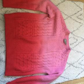Asos strik i rød og lyserød med flot mønster