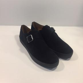 Vagabond Luis Monk Crepe Effect Sole Shoes - Kun prøvet på
