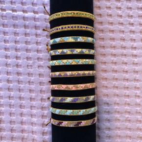 Vævede armbånd med miyuki delicaperler. Tjek evt. min instagramprofil med flere smykker: bead_mix Kan sendes med PostNord