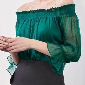 Rigtig fin Silke off-shoulder top. #30dayssellout