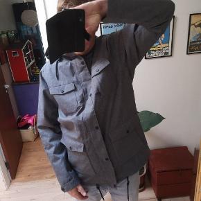 a8fb5d24100 Ny kilmanock jakke str xl. Ny, men mangler en knap. Købt på ophørsauktion