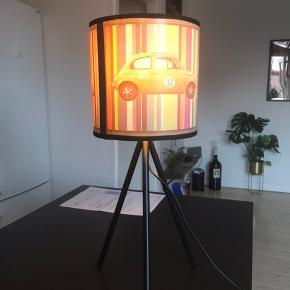 Fin borlampe, lavet af Skitpyt Unika Design