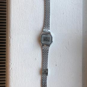 Sælger dette ur, da jeg ikke får det brugt