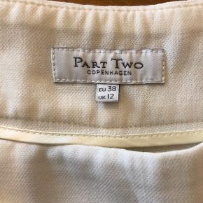 Dejlige hvide sommerlige bukser i lækkert stof 🌸  #sommer #hvid #Part Two