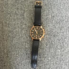 Stort herre ur, der er brugt sparsomt. Ny pris 1700,-