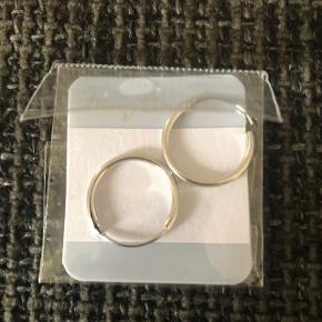 Helt nye sølv hoops (store) 30 kr