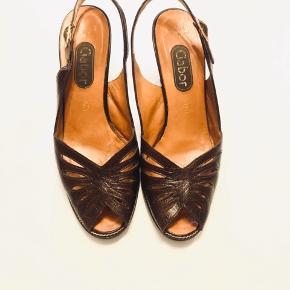 Fine Gabor heels slingback i læder - med helt nye hæle. Str. 5. Køber betaler fragt .