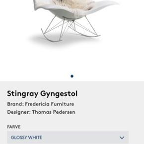 Stingray gyngestol - Fredericia Furniture inkl. Original skind og nakkepude