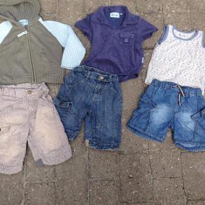 Tøjpakke dreng 3 år fra Mini A Ture. Størrelse: 3 år / 98 cm Farve: Blå,Beige Super fed tøjpakke med 2 lange shorts, 1 kortere shorts, 1 tanktop, en polo i frotté og en lækker strik cardigan. Nogle af tingene er stort set ikke brugt. Pris: 150 kr. pp