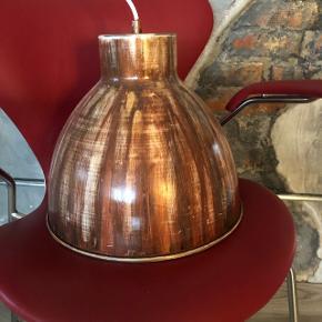 Industrial lampe i super fed stil.