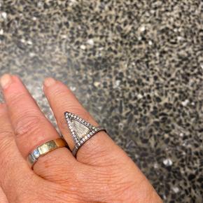 Frk Lisberg ring