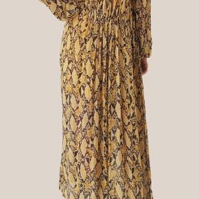 Smuk maxi kjole Brystvidde 64 cm