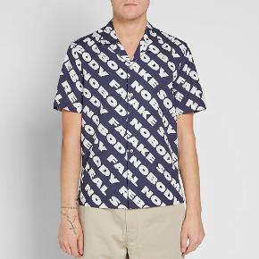 Wood Wood t shirt str L, passer M-L Fejler intet   Kan sendes eller afhentes på østerbro
