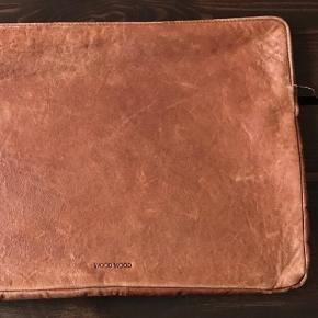 Wood Wood Computercover i patineret læder. Nypr: 1400