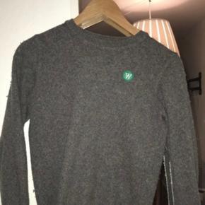 Sælger denne lækre uld sweater fra Wood Wood. Den kradser IKKE :) spørg for yderligere information