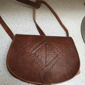 Ny taske i ægte læder fra Marokko