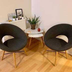 Sælger disse to lænestole fra jysk, de er stort set ikke brugt.  Nyprisen var 800kr.   Kom med et bud 😊