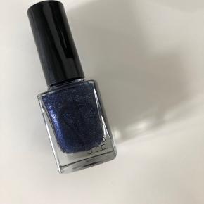 Neglelak fra Nilensjord  🎨 Mørkeblå med glimmer 🛍 Aldrig brugt