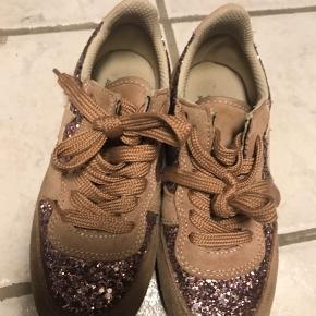 Fine Sneakers.