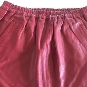 Skind nederdel