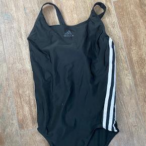Adidas badetøj & beachwear