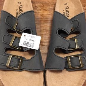 Sandaler str 43 Købt i Matas til 350kr