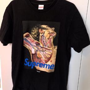 Supreme x Undercover - Anatomy tee Str. Medium. Fejler intet