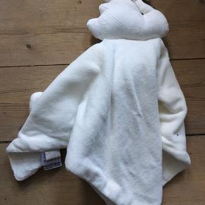 Nusseklud fra camcam i hvid, ubrugt.