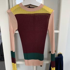 Colourblock bluse fra Maison Scotch