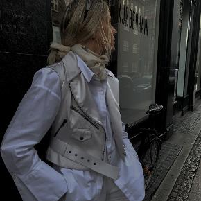 Céline vest