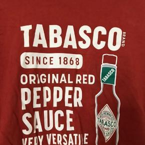 Tabasco-sauce t-shirt fra uniqlo. BYD gerne