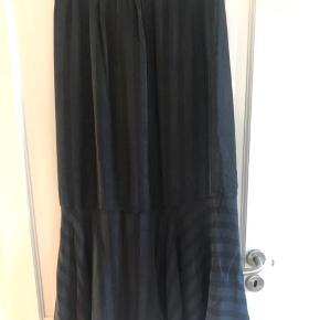 Coster Copenhagen nederdel brugt 1 gang sælges for 375kr