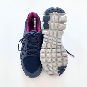 Mærke: Endurance.  E-Light V5 Shoe W.  Farve: Blå og lilla.  Se også mine andre annoncer ;)
