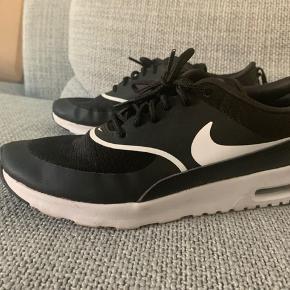 Nike Air max Thea, brugt en enkelt gang