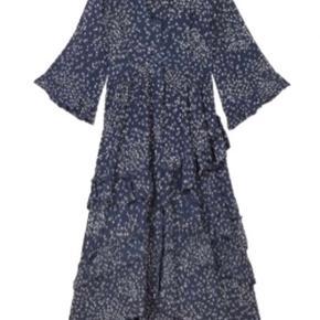 Sælger denne super fine Ganni kjole, da jeg ikke får den brugt.