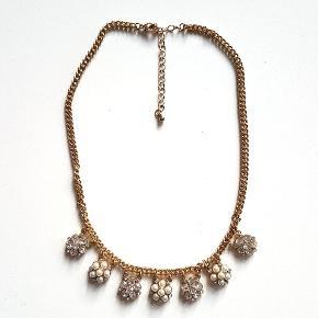 💍Halskæde fra SIX accessories - Guldbelagt  Sælges udelukkende fordi jeg ikke længere bruge den, og jeg har så mange smykker i forvejen 🙈  Sendes med DAO gennem Trendsales.