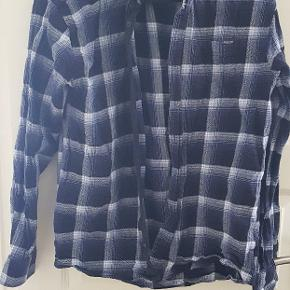 Slimfit lindbergh skjorte.