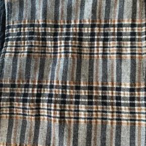 Rigtig fin Spencer kjole i brændt orange, sort og råhvid. Str 10 år  Pris 90 kr