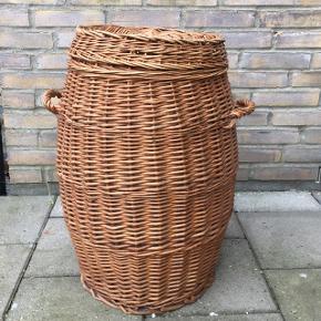 Fin Retro fletkurv, brugt til vasketøj