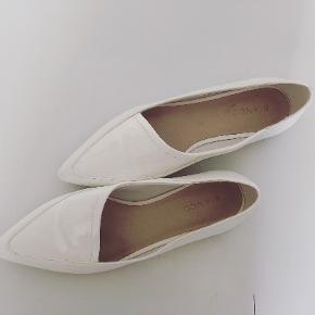 Bianco flats