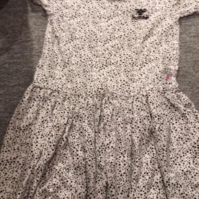 Hummel kjole Kun brugt 1.skoledag  Vasket i neutral