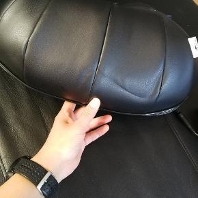 Sælger min massage pude. Da desværre aldrig bliver brugt. Har brugt den max 4 gange. Byd byd byd, da jeg bare gerne vil af med den.